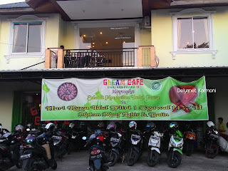 Gleam Cafe Paris 2 Pontianak