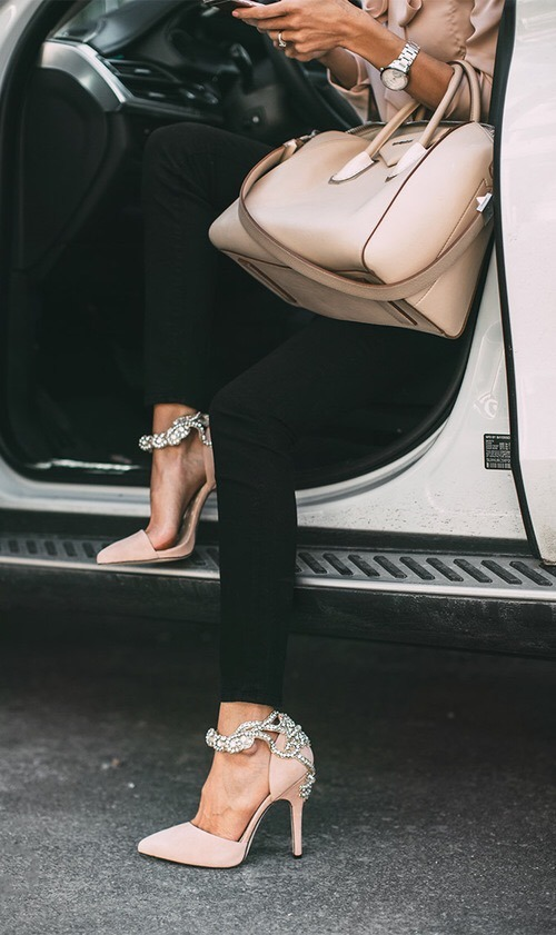 Fashion Inspiration | Daily Habits of Stylish Women