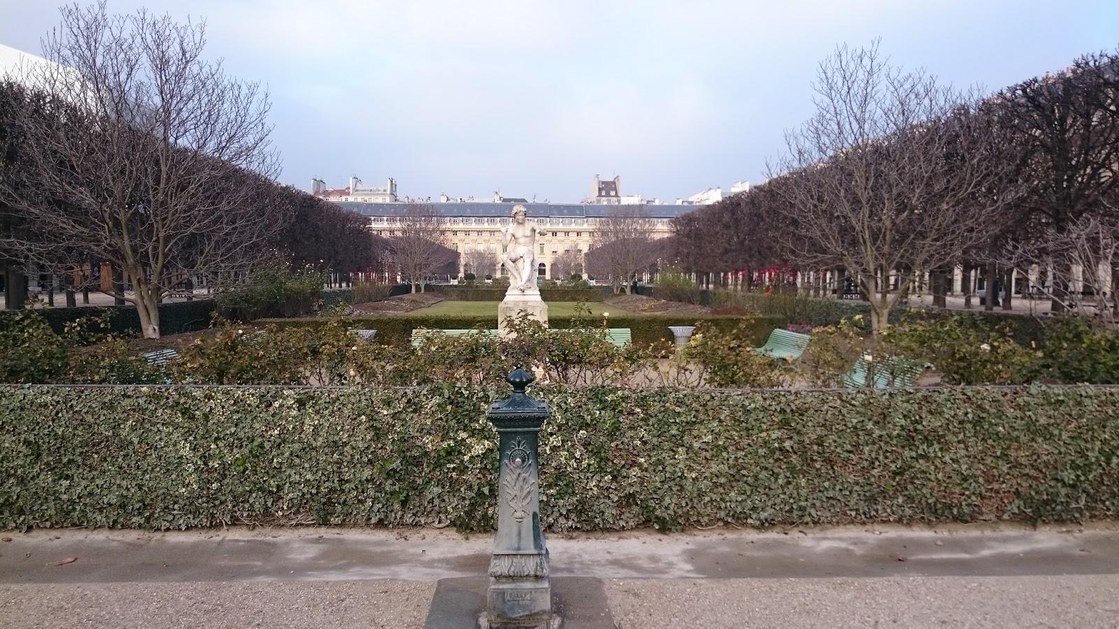 Dans mon pot de confiture midi sonne il retenti au for Au jardin du port le palais