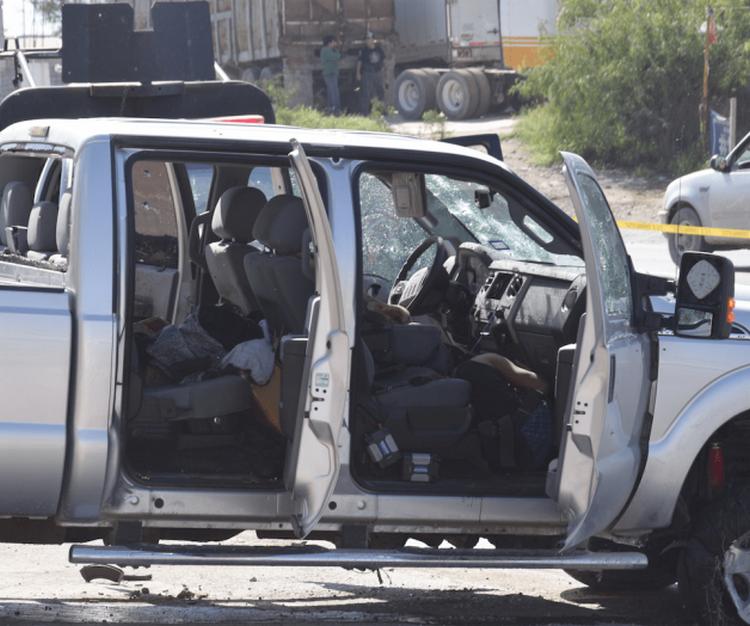 """Fotos:En fuerte enfrentamiento Policías dan """"piso"""" a tres Gatilleros """"desechables"""" del Cártel del Golfo"""