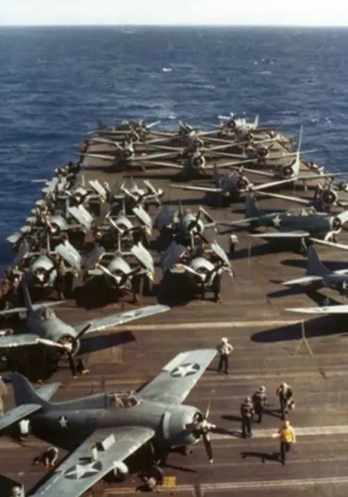 Grumman F4F Wildcat and Douglas SBD Dauntless on USS Wasp, Planes in color worldwartwo.filminspector.com