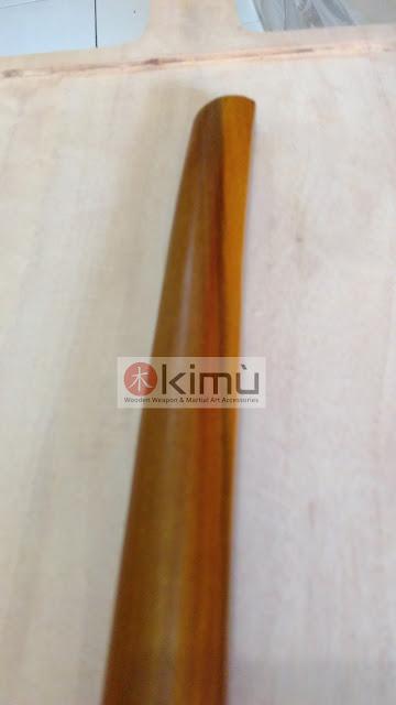 ujung bokken atau pedang kayu sawo