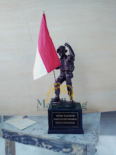 Souvenir Patung tentara