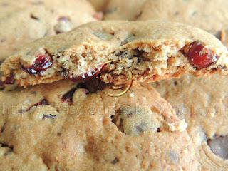 Domaci integralni keksici sa brusnicama i cokoladom