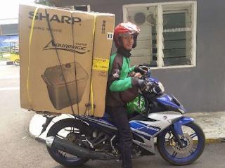 Foto-Foto betapa Tangguhnya Driver Ojek Online membawa Orderan yang Diluar Nalar