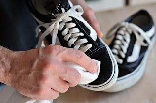 alat dan bahan laundry sepatu