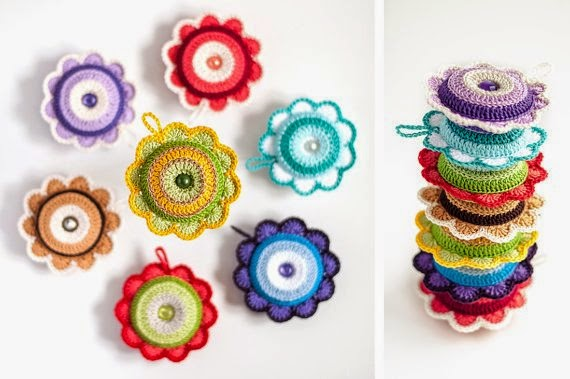 https://www.etsy.com/listing/205278373/cute-flower-pincushion-crochet-bright?ref=favs_view_1