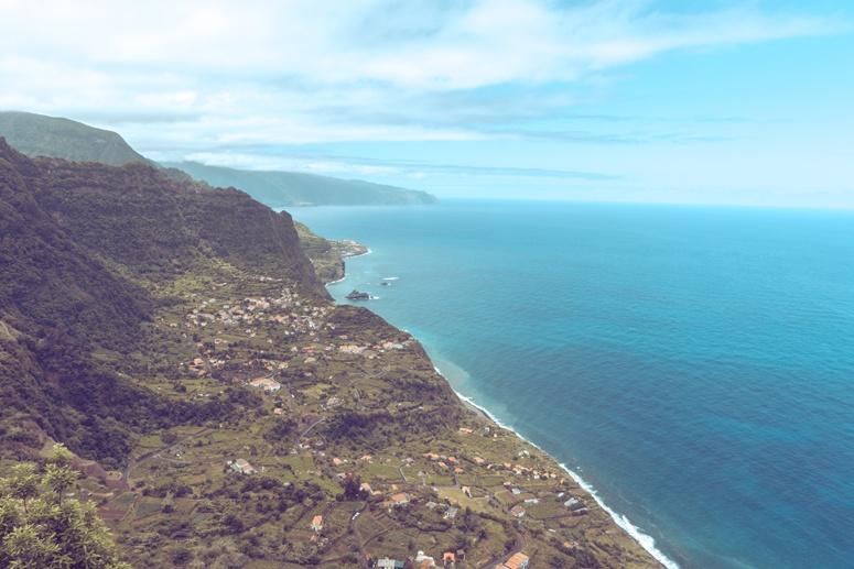 Widok z maderyjskiego klifu