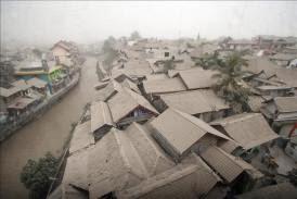 200 MIL EVACUADOS POR ERUPCION DEL VOLCAN KELUD EN INDONESIA, 14 de Febrero 2014