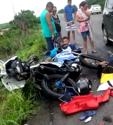 PB-041: Acidente deixa cinco feridos; uma das pessoas teve o pé decepado. Vídeo com imagem forte.