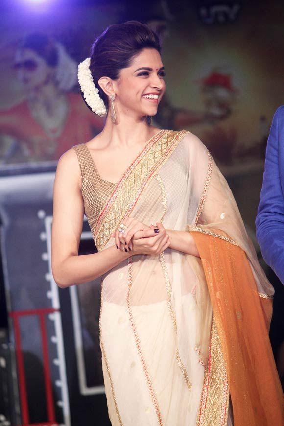 actress hd images deepika padukone hot and sweet in saree