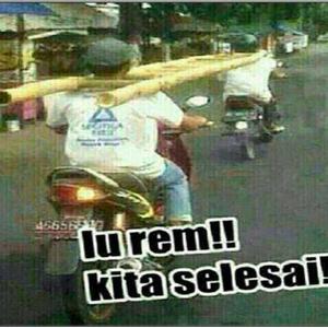 Pengendara Motor Lucu Cuman Ada di Indonesia 3