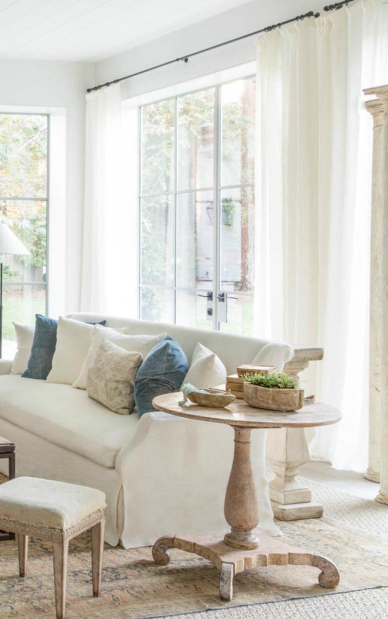 Modern farmhouse living room by #GiannettiHome with Belgian linen sofa