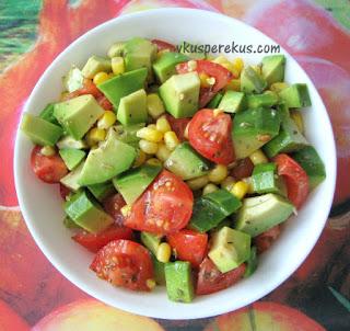 салат из авокадо постный