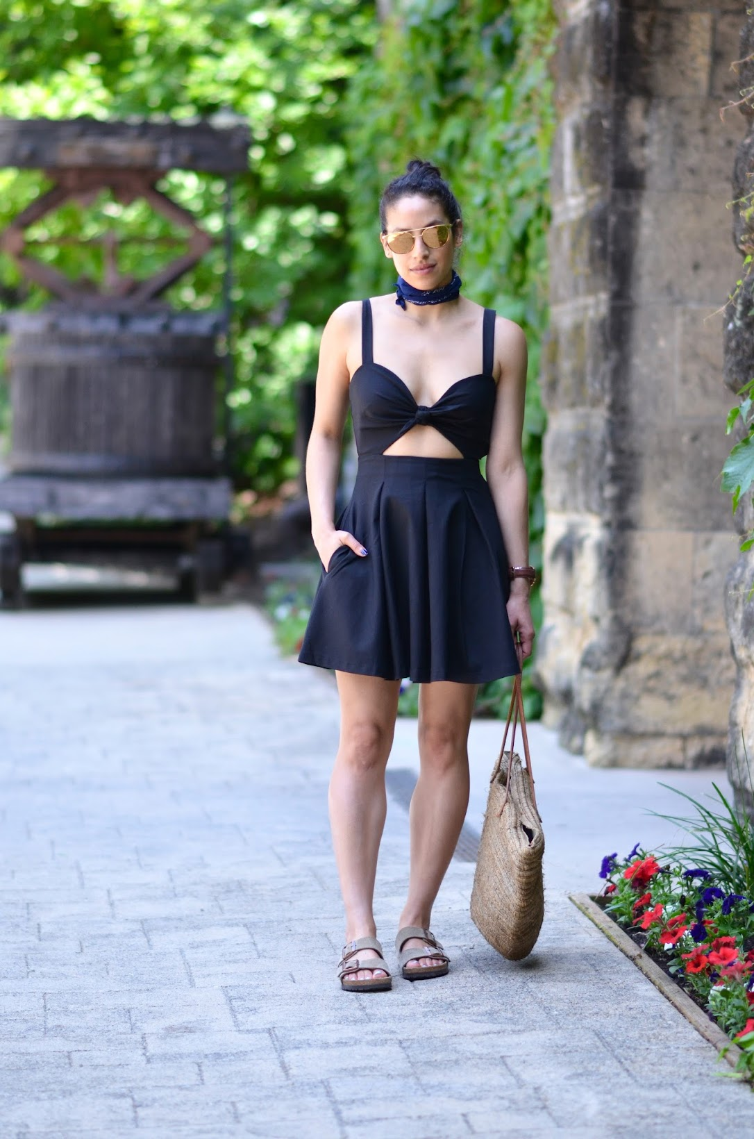 street style, napa summer style, summer dresses, front tie dress, cutout dress, Shop Tobi, Birkenstocks, straw tote, Linda Farrow gold mirror sunglasses