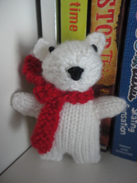 Mini Christmas Knit - Polar Bear