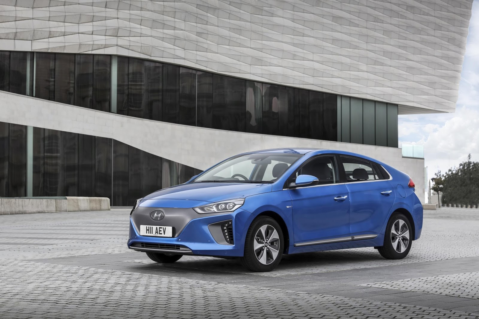 The Motoring World The All New Ioniq Is The World S First