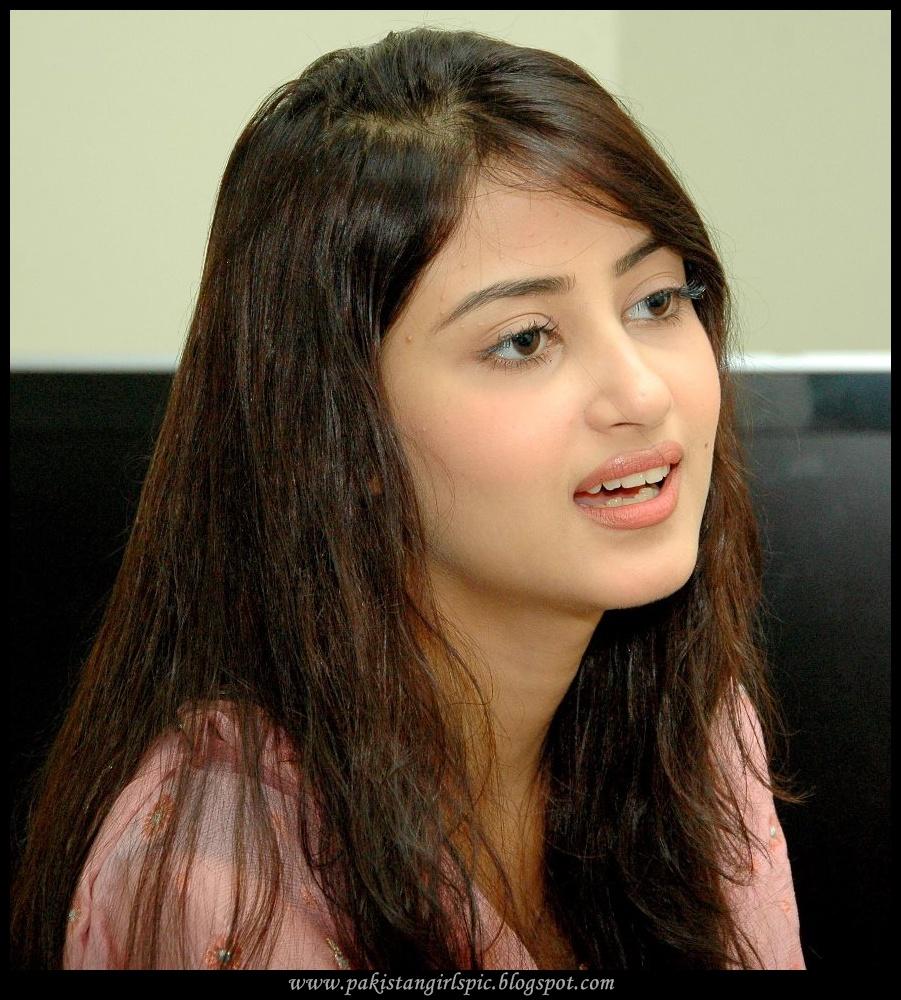 India Girls Hot Photos Pakistani Drama Actress Sajal Ali-4605