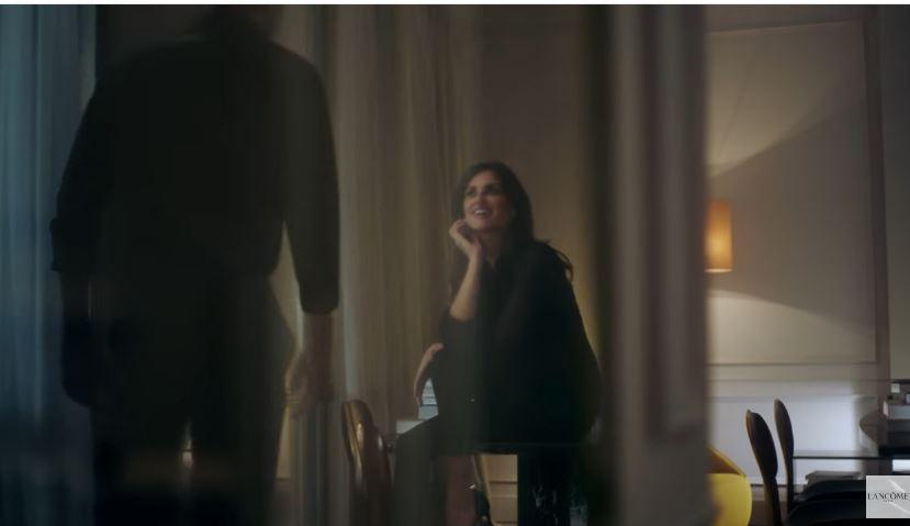 Lancôme pubblicità La Nuit Trésor con Penélope Cruz con Foto - Testimonial Spot Pubblicitario Lancôme 2016 border=