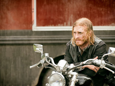 Dwight (Austin Amelio) in Episode 3