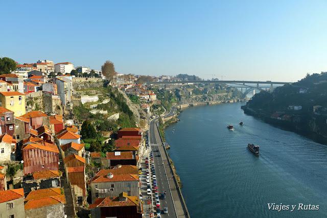 Oporto visto de lo alto del puente Don Luis I