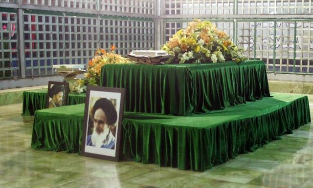 Homens-bomba atacam mausoléu do aiatolá Khomeini. Primeiras informação são de que pelo menos sete pessoas morreram e de que há quatro reféns