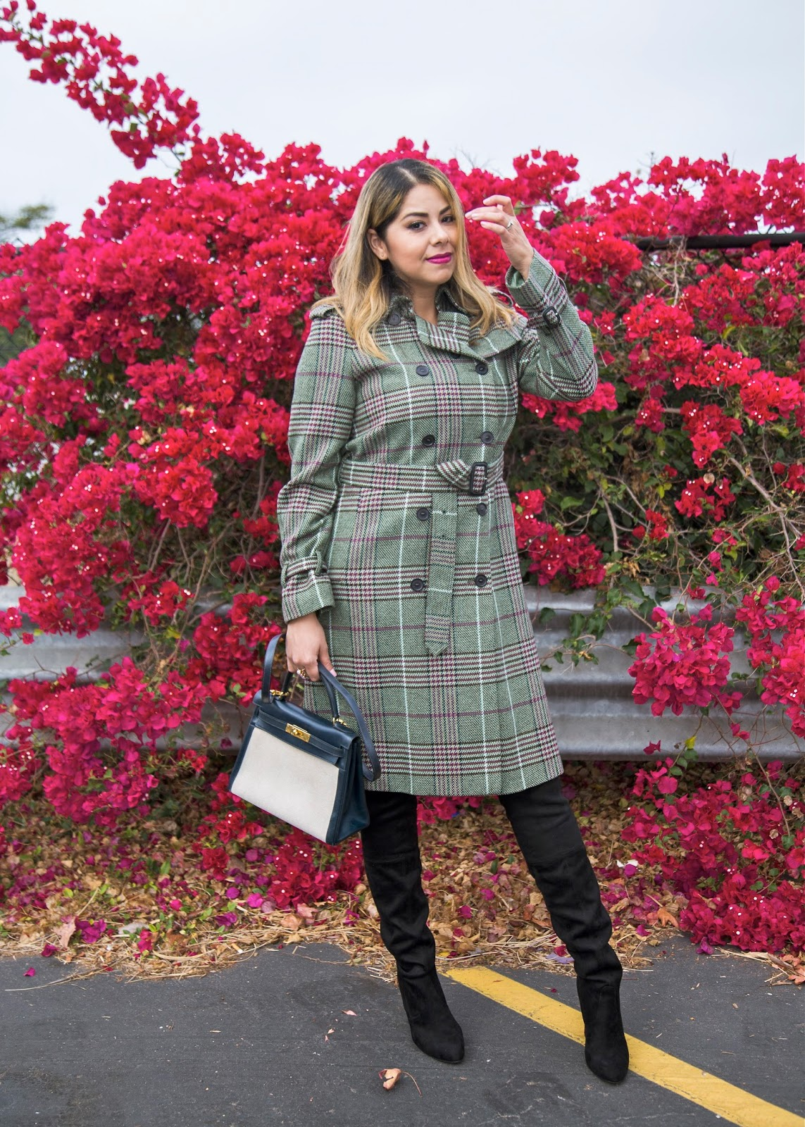 burberry trench coat, trench coat outfit idea, burberry trench coat vintage, latina fashion blogger