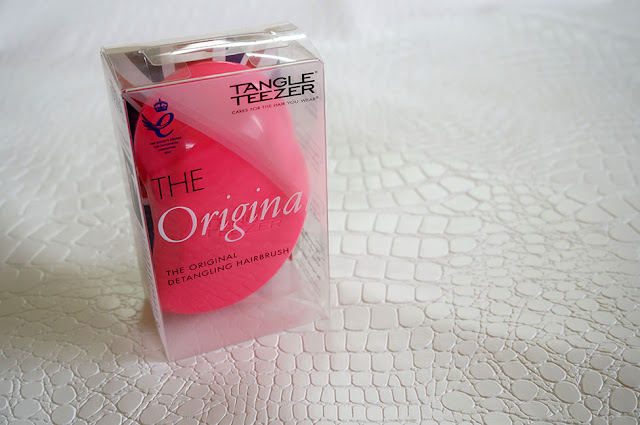 Tangle Teezer, The original tangle teezer, the elite tangle teezer, detangle hair easily, pain free hair brushing, no more hair fall, no more hair breakage, healthy hair, worry free hair, hair care, beauty, beauty blog red alice rao, redalicerao