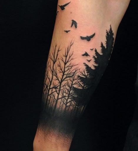 Pássaros voando não são apenas para a liberdade. Algumas nações, é também um símbolo para o crescimento espiritual. Desde a floresta é refrescante, pode não estar muito longe da verdade que ela poderia nos ajudar a crescer espiritualmente ao passar algum tempo na floresta.