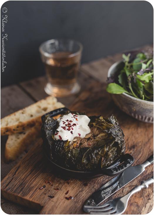 Ofendolma mit Joghurt-Feta-Sauce