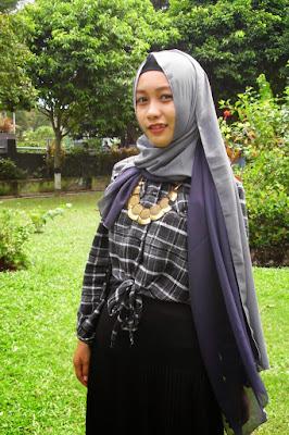 tutorial qaira hijab cewek manis pakai Kemeja Flannel ke kampus