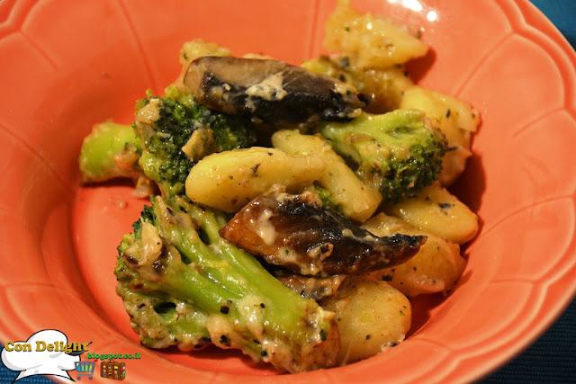 ניוקי פטריות ברוקולי ופרמזן broccoli mushroom gnocchi