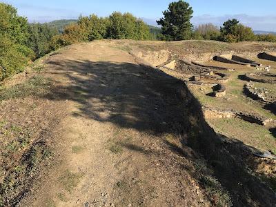 Hispania: Viladonga hill-fort  by E.V. Pita (2017)  / Link: https://archeopolis.blogspot.com/2017/10/hispania-viladonga-hill-fort-castro-de.html  / Castro de Viladonga (Castro de Rei)  por E.V. Pita (2017)