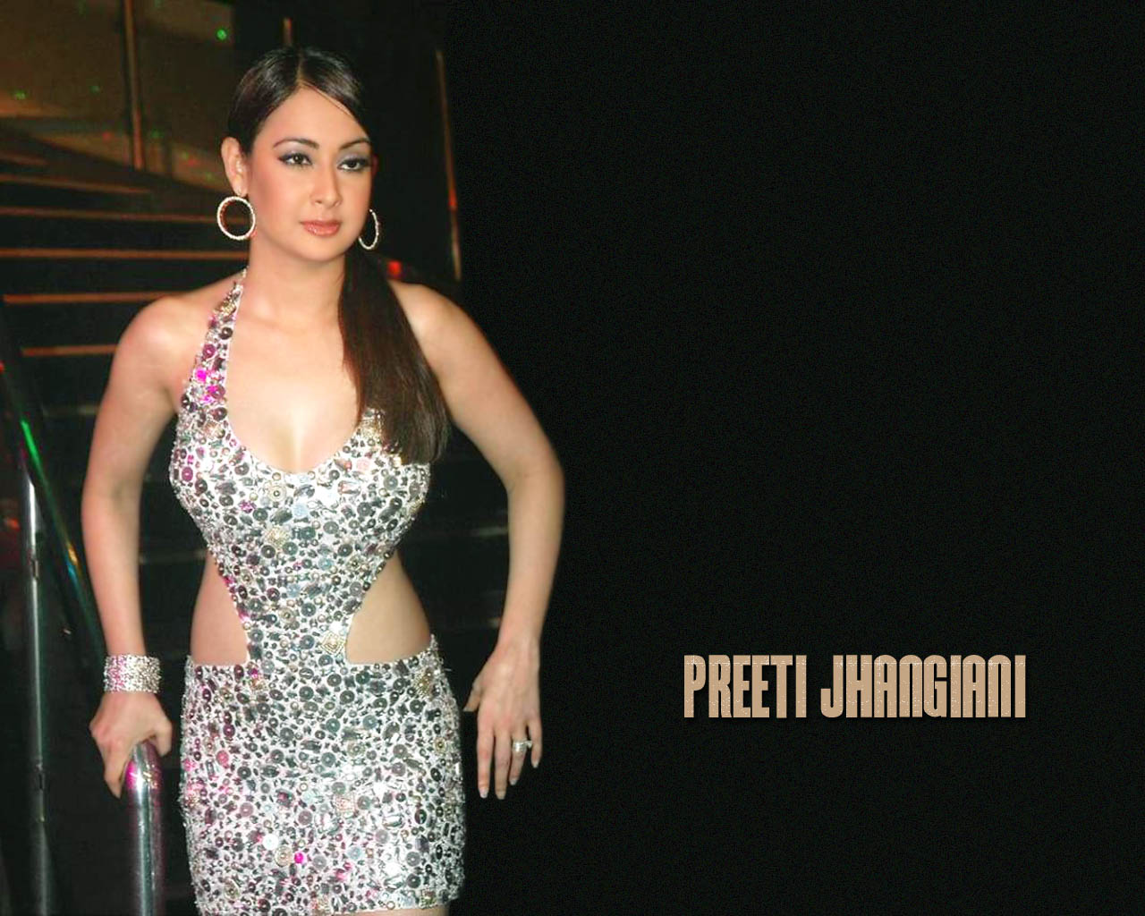 Preeti Jhangiani Hot Hd Wallpapers