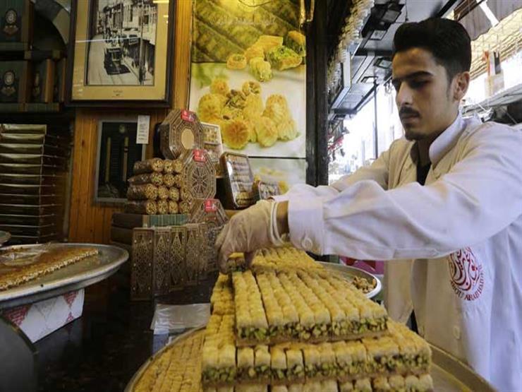 توقعات بارتفاع أسعار الحلويات في رمضان بعد زيادة سعر الدقيق