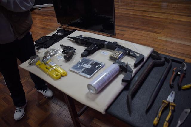 Armas que portaba el clan que mató a un joven en El Alto en noviembre / RODRIGO SALAZAR