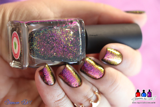Mony D07, ILNP, Neon Rosebud, multichrome, Ultra Chrome Flakies Collection. 2015, Flocado, Flakes, rosa, roxo, verde, dourado, preto, Layla, La Femme, Carimbada, Carimbo, Harunouta L005, placa de carimbo, Semana ILNP,