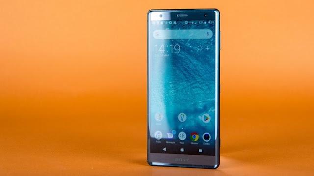 Smartphone Gaming Terbaik - Sony Xperia XZ2