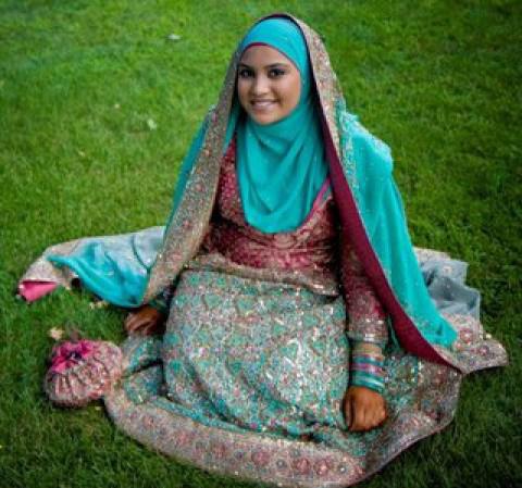 uniknya baju muslim bergaya india