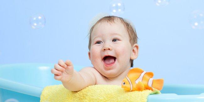Memandikan Bayi Boleh 2 – 3 Kali Seminggu Loh Mom