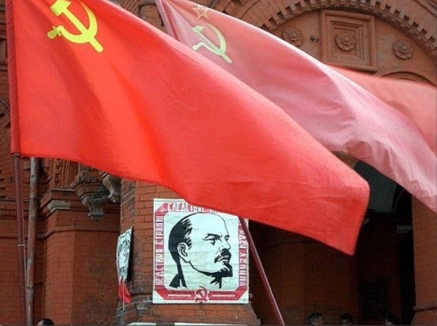 Kisah Sebenar Lelaki Ditahan Gara-Gara Pakai Baju Ada Simbol Komunis