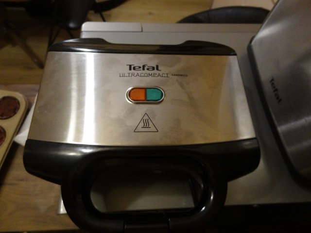 Tefal Ultracompact SM1552 sandwich maker - user review