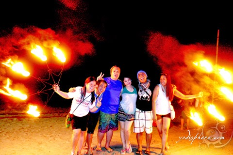 Eastgate backpackers souveinr photo with the fire at Puerto Galera