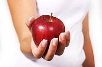 Una mela rossa contro il cancro al seno