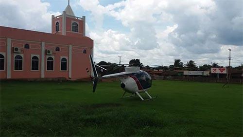 Hildon Chaves chega de Helicóptero em bairro pobre e acaba vaiado e chamado de mentiroso pela população