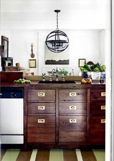 An Urban Cottage: Unfitting For A Kitchen
