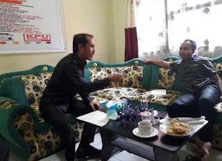 APK-nya Disapu Bersih Petugas ,Caleg Gerindra Protes Bawaslu Lotim