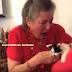 Guru Sebak Terima Hadiah Anak Kucing Daripada Pelajar