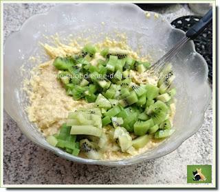 Vie quotidienne de FLaure : Cake aux kiwis, à base de farine - levure, gonflé et moelleux