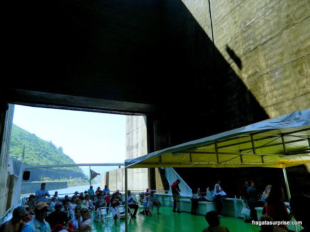 Eclusa na Barragem de Bagaúste, no Rio Douro, na rota entre Peso da Régua e Pinhão